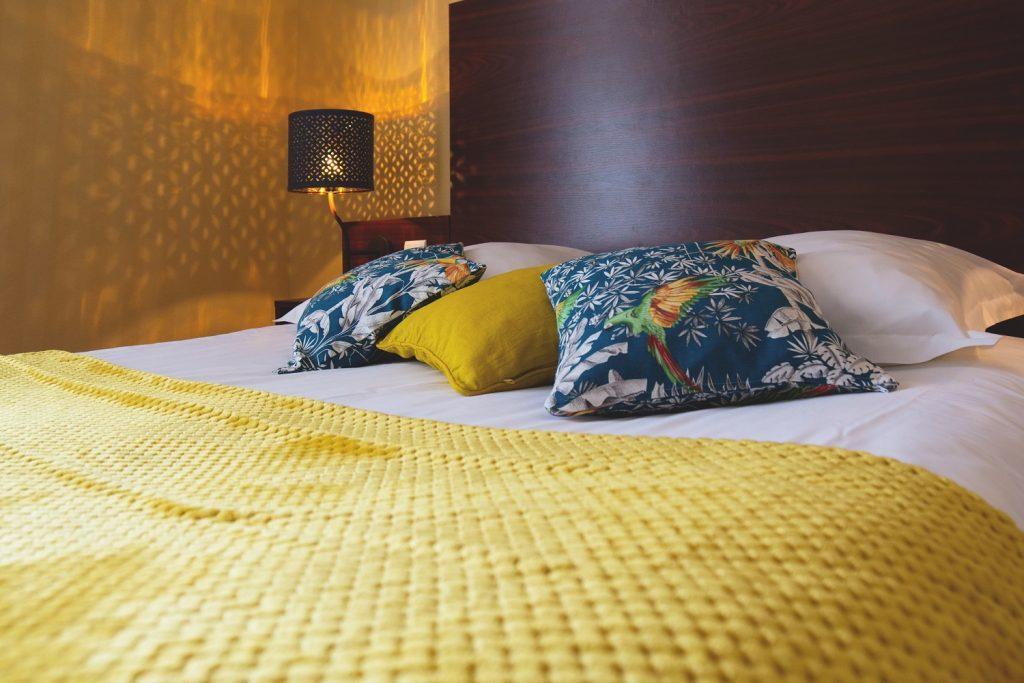 "Comfort ""King Size"" Double Bedroom – Hôtel Les ..."